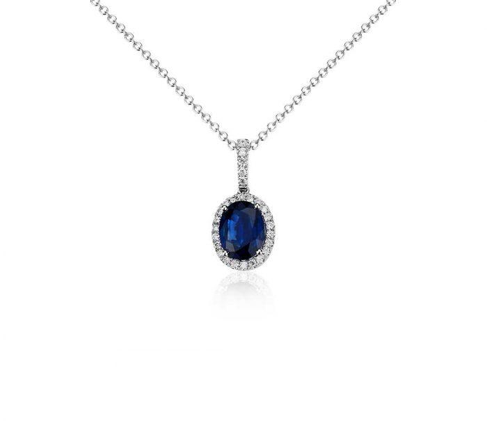 Aksesoris kalung batu wanita blue