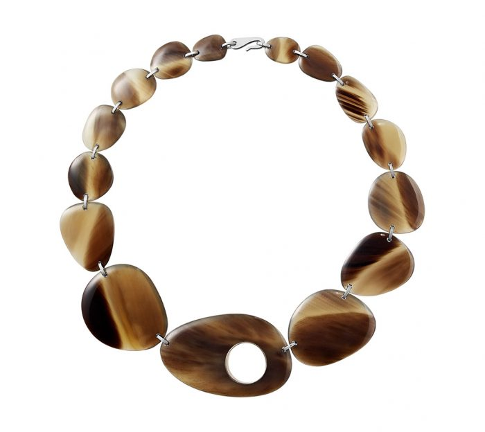 Hermes horn necklace pebble