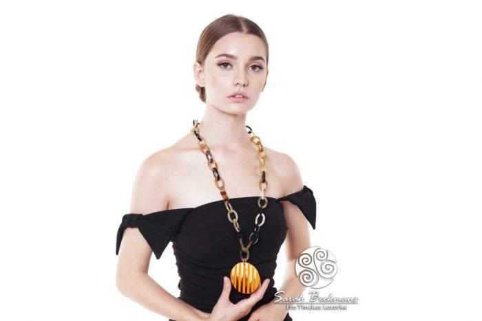 perhiasan wanita bern
