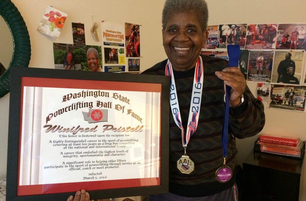 Winifred Pristell Tetap Angkat Beban di Usia 72 Tahun