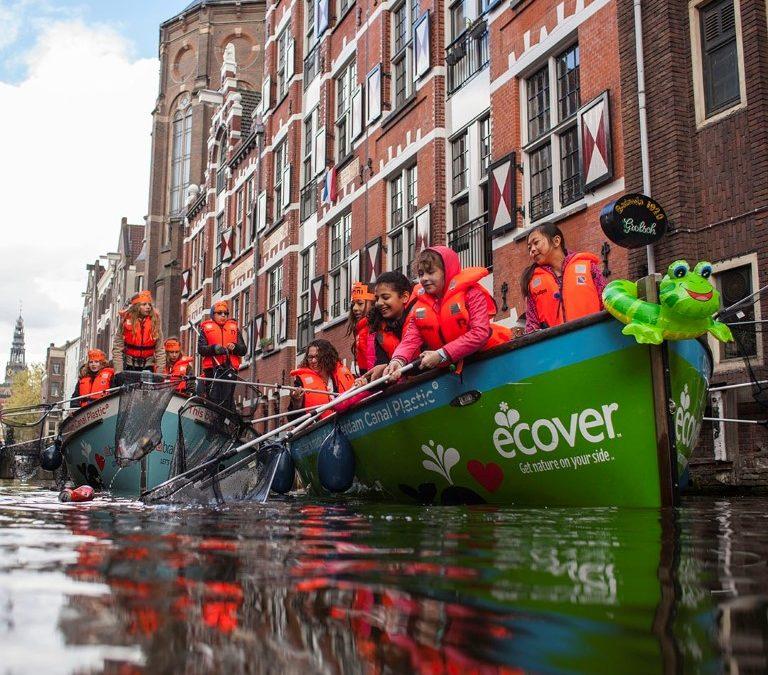 Tur Memancing Plastik di Amsterdam