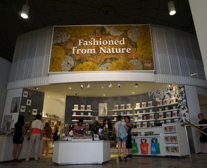 pameran mode berkelanjutan sustainable fashion exhibition