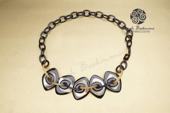 kalung tanduk kerbau bali